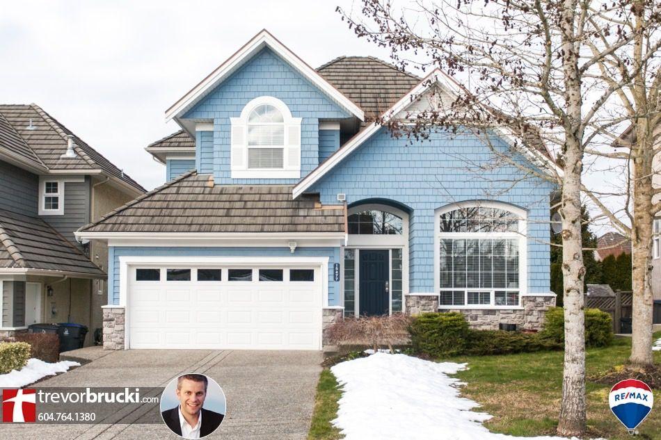 Main Photo: 15477 34a Avenue in Surrey: Morgan Creek House for sale (South Surrey White Rock)  : MLS®# R2243082