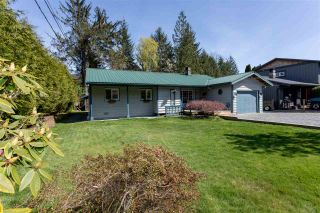 Photo 1: 41580 ROD Road in Squamish: Brackendale House for sale : MLS®# R2261542