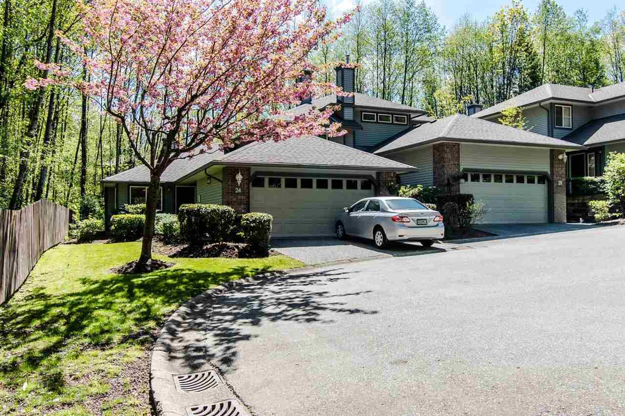 """Main Photo: 24 10505 171 Street in Surrey: Fraser Heights Townhouse for sale in """"NEWFIELD GATE ESTATES"""" (North Surrey)  : MLS®# R2362579"""