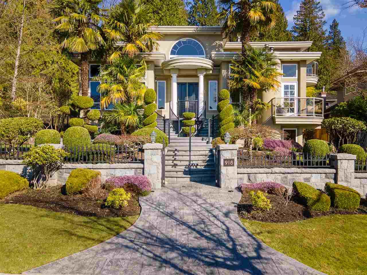 Main Photo: 918 BURNWOOD Avenue in Burnaby: Simon Fraser Univer. House for sale (Burnaby North)  : MLS®# R2560007