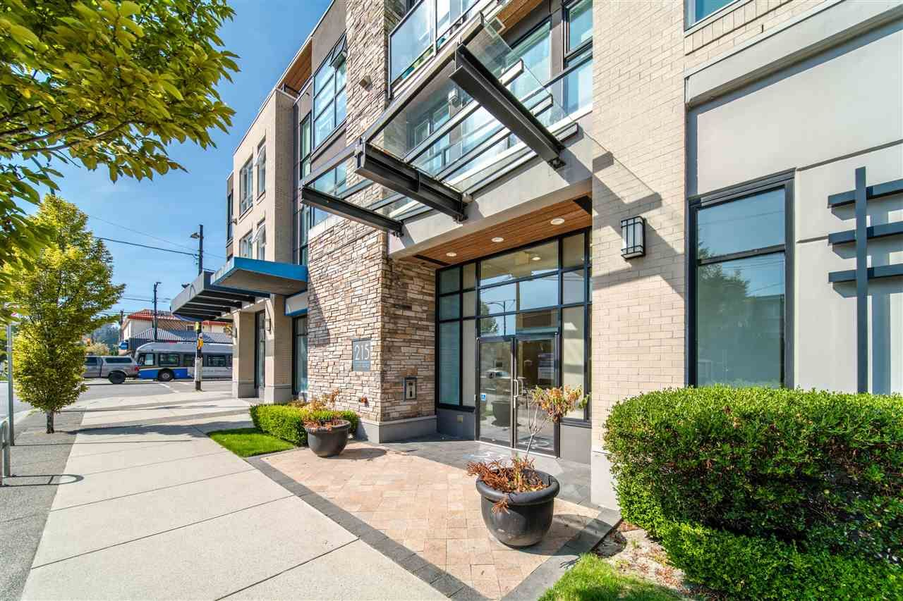 """Photo 2: Photos: 203 215 E 33RD Avenue in Vancouver: Main Condo for sale in """"33 & Main"""" (Vancouver East)  : MLS®# R2506740"""