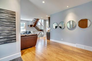Photo 5: 1315 20 Street NW in Calgary: Hounsfield Heights/Briar Hill Detached for sale : MLS®# A1056774