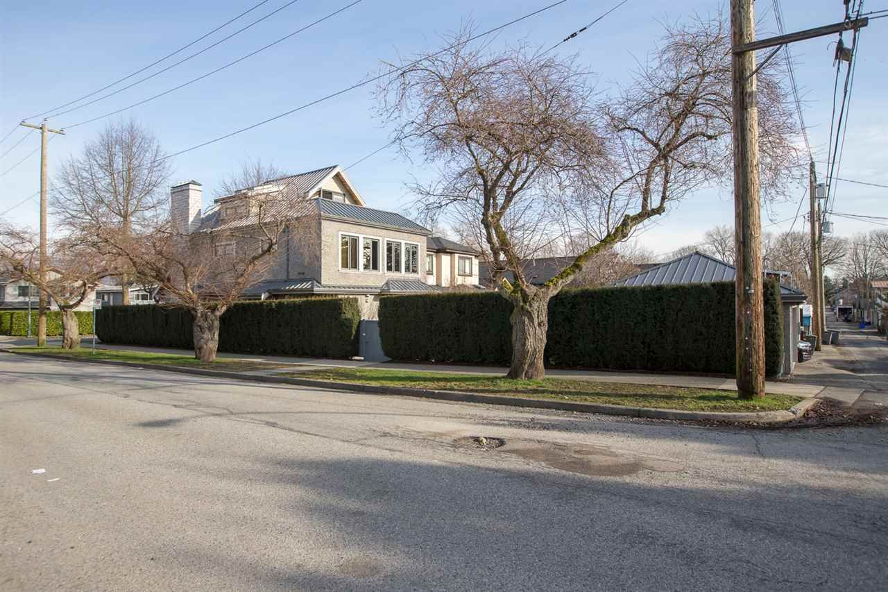 """Photo 25: Photos: 894 W 19TH Avenue in Vancouver: Cambie House for sale in """"CAMBIE"""" (Vancouver West)  : MLS®# R2484635"""