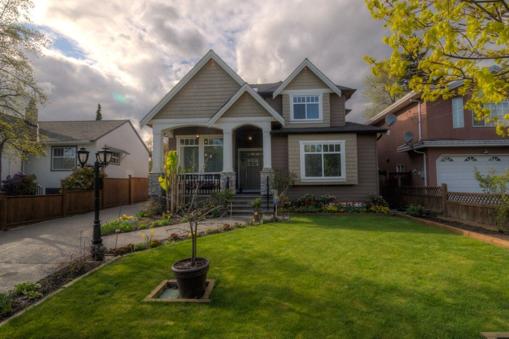 """Main Photo: 2013 EDINBURGH Street in New Westminster: Connaught Heights House for sale in """"CONNAUGHT HEIGHTS"""" : MLS®# V1059391"""