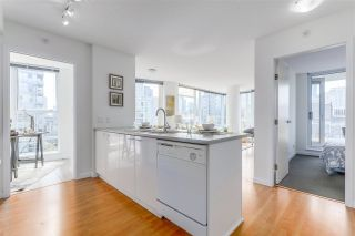 """Photo 3: 903 602 CITADEL PARADE in Vancouver: Downtown VW Condo for sale in """"SPECTRUM"""" (Vancouver West)  : MLS®# R2094812"""