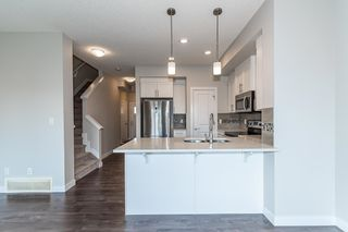 Photo 10: 1865 KEENE Crescent in Edmonton: Zone 56 Attached Home for sale : MLS®# E4259050