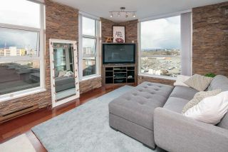 """Photo 8: 902 189 NATIONAL Avenue in Vancouver: Mount Pleasant VE Condo for sale in """"SUSSEX BY Bosa"""" (Vancouver East)  : MLS®# R2141629"""