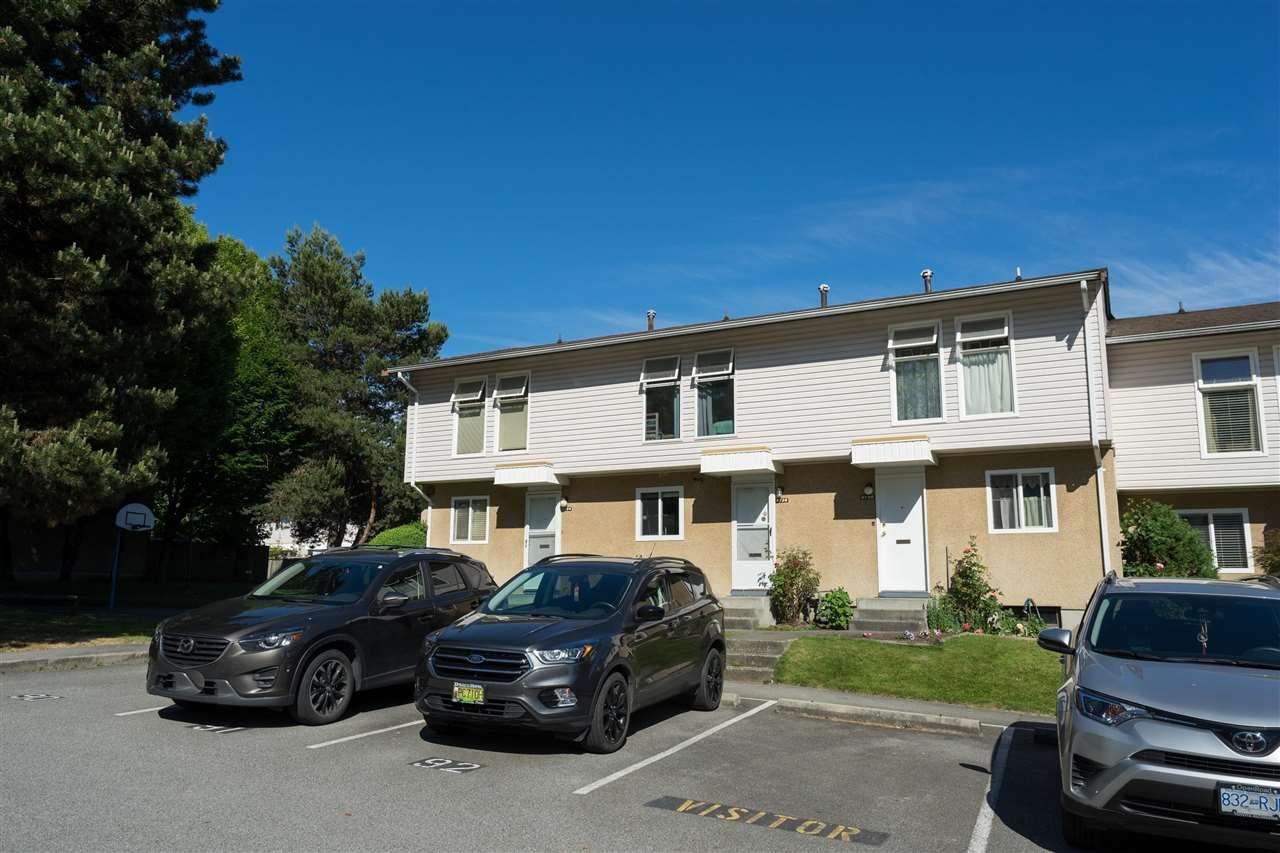 "Main Photo: 6726 ARLINGTON Street in Vancouver: Killarney VE Townhouse for sale in ""CHAMPLAIN VILLA"" (Vancouver East)  : MLS®# R2588343"