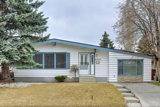 Main Photo: 4343 Vauxhall Crescent NW in Calgary: Varsity Detached for sale : MLS®# A1098919