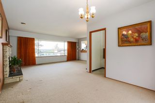 Photo 7: 6905 HYCREST DRIVE in Burnaby: Montecito House for sale (Burnaby North)  : MLS®# R2058508