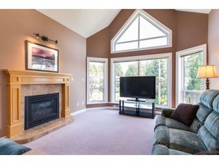 """Photo 5: 505 34101 OLD YALE Road in Abbotsford: Central Abbotsford Condo for sale in """"Yale Terrace"""" : MLS®# R2395704"""