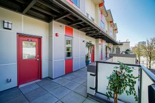 """Photo 3: 301 250 COLUMBIA Street in New Westminster: Downtown NW Townhouse for sale in """"BROOKLYN VIEWS"""" : MLS®# R2591460"""