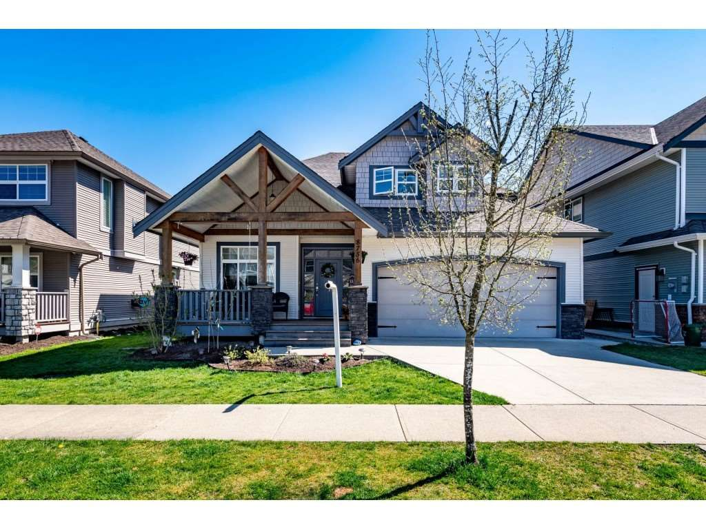 Main Photo: 8756 NOTTMAN STREET in Mission: Mission BC House for sale : MLS®# R2569317
