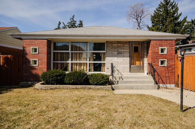 Main Photo: 5474 Oconto Avenue in CHICAGO: CHI - Norwood Park Single Family Home for sale ()  : MLS®# MRD08943409