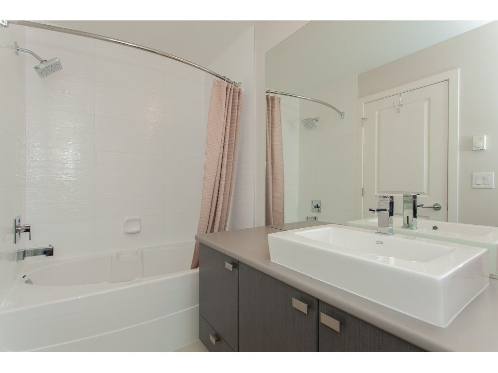 """Photo 16: Photos: 210 5655 210A Street in Langley: Salmon River Condo for sale in """"CORNERSTONE NORTH"""" : MLS®# R2152844"""