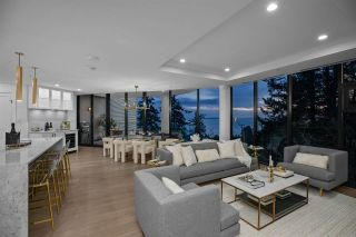 "Photo 3: 802 14825 THRIFT Avenue: White Rock Condo for sale in ""Fantom"" (South Surrey White Rock)  : MLS®# R2548878"