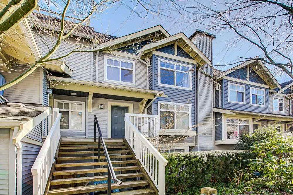 """Main Photo: 38 7488 SOUTHWYNDE Avenue in Burnaby: South Slope Townhouse for sale in """"LEDGESTONE I"""" (Burnaby South)  : MLS®# R2347709"""