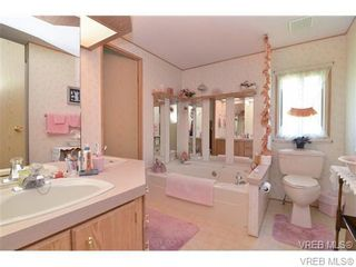 Photo 9: 63 2911 Sooke Lake Rd in VICTORIA: La Goldstream Manufactured Home for sale (Langford)  : MLS®# 700873