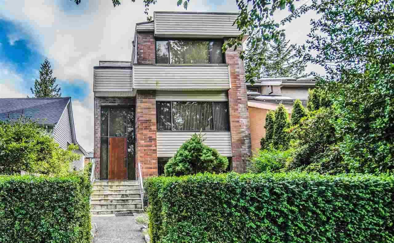 Main Photo: 4040 W 17TH Avenue in Vancouver: Dunbar House for sale (Vancouver West)  : MLS®# R2495298