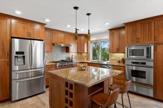 Photo 4: BAY PARK House for sale : 4 bedrooms : 3636 Mount Laurence Dr in San Diego
