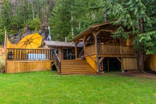 Photo 2: 6535 ROCKWELL DR, HARRISON HOT SPRINGS