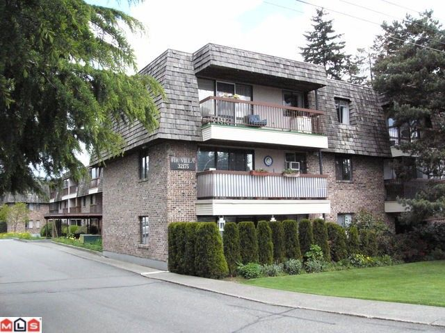"""Main Photo: 101 32175 OLD YALE Road in Abbotsford: Abbotsford West Condo for sale in """"FIR VILLA"""" : MLS®# F1011418"""