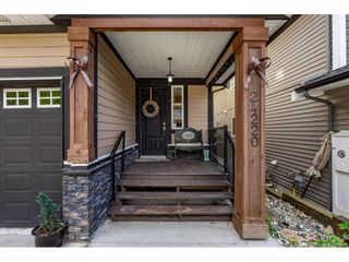 """Photo 2: 24220 103A Avenue in Maple Ridge: Albion House for sale in """"SPENCER'S RIDGE"""" : MLS®# R2404330"""