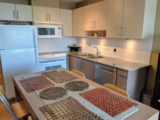 "Photo 3: 1708 550 TAYLOR Street in Vancouver: Downtown VW Condo for sale in ""The Taylor"" (Vancouver West)  : MLS®# R2562066"