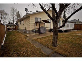 Photo 3: 3307 48 Street NE in Calgary: Whitehorn House for sale : MLS®# C4003900