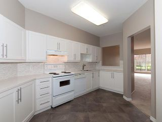 """Photo 4: 122 5888 DOVER Crescent in Richmond: Riverdale RI Condo for sale in """"PELICAN POINTE"""" : MLS®# V940767"""