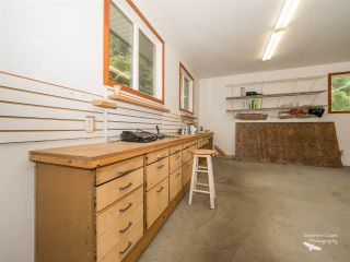 Photo 16: 5757 SURF Circle in Sechelt: Sechelt District House for sale (Sunshine Coast)  : MLS®# R2532538