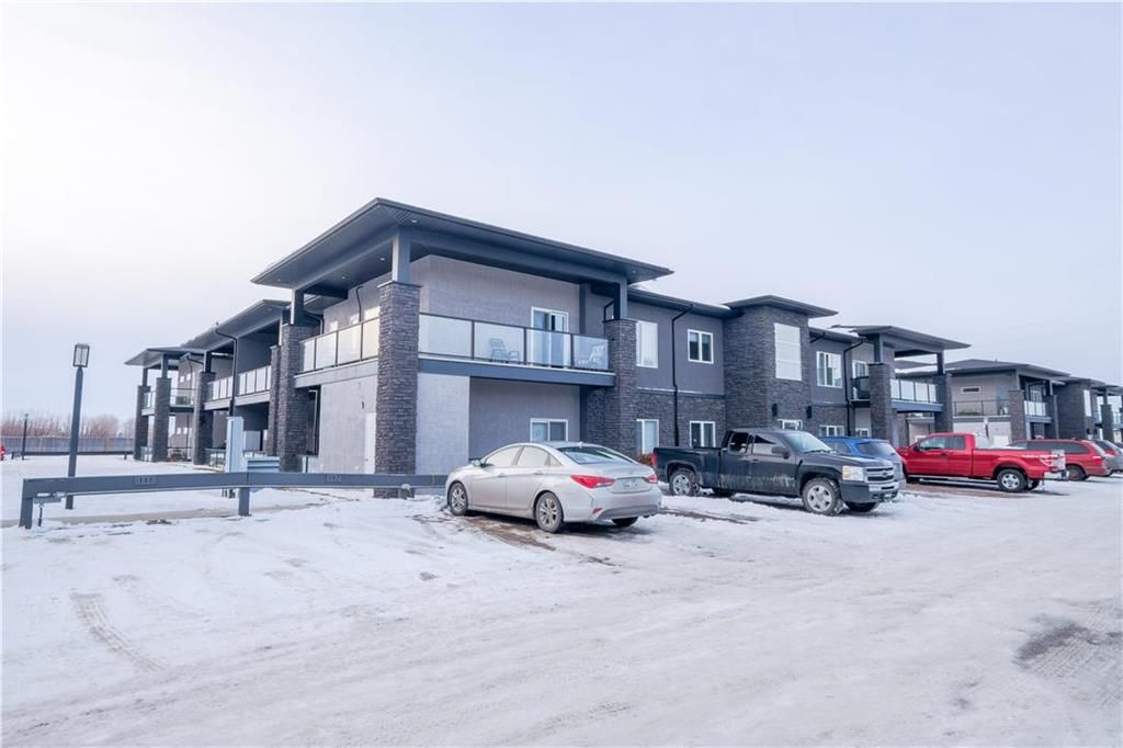 Main Photo: 86 1276 Old PTH 59 Highway in Ile Des Chenes: R07 Condominium for sale : MLS®# 202105681