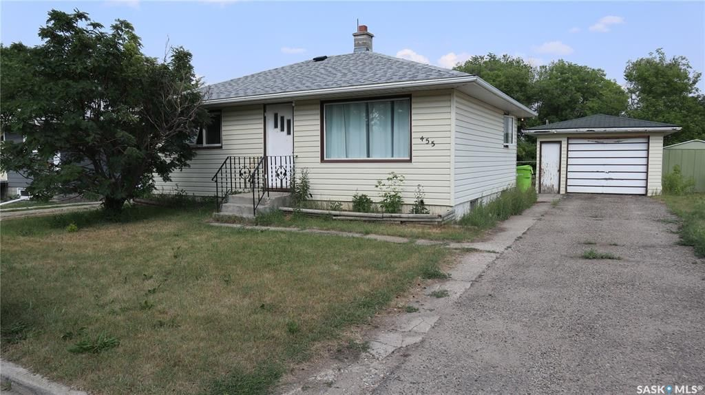 Main Photo: 455 Company Avenue South in Fort Qu'Appelle: Residential for sale : MLS®# SK863773