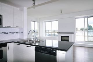 """Photo 5: 502 7478 BYRNEPARK Walk in Burnaby: South Slope Condo for sale in """"GREEN"""" (Burnaby South)  : MLS®# R2021457"""