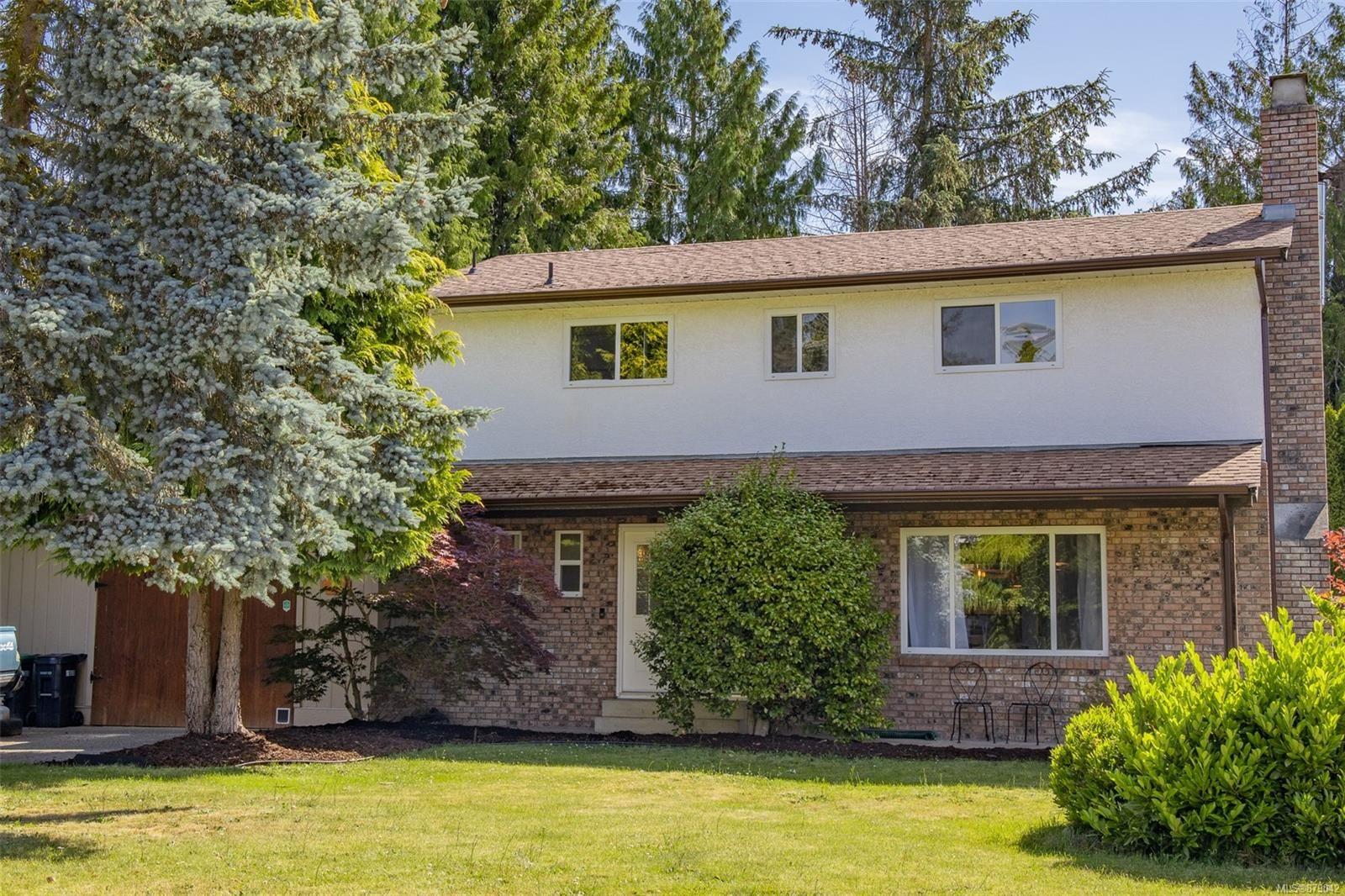Main Photo: 350 McKinnon St in : PQ Parksville House for sale (Parksville/Qualicum)  : MLS®# 879042