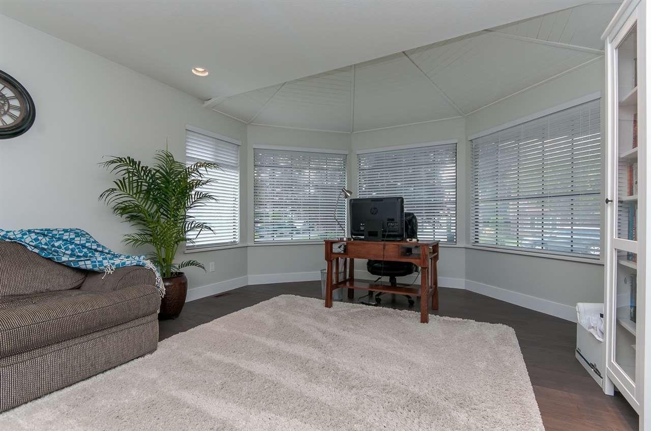 "Photo 9: Photos: 10626 FRASERGLEN Drive in Surrey: Fraser Heights House for sale in ""Fraser Glen"" (North Surrey)  : MLS®# R2002623"