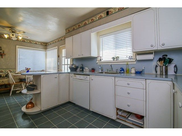 Photo 8: Photos: 7689 DAVIES ST in Burnaby: Edmonds BE House for sale (Burnaby East)  : MLS®# V1139774