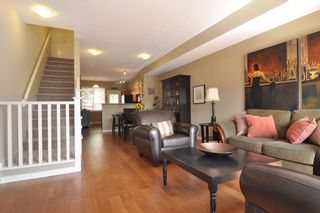 """Photo 5: 93 2000 PANORAMA Drive in Port Moody: Heritage Woods PM Townhouse for sale in """"MOUNTAIN EDGE"""" : MLS®# R2201532"""