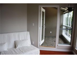 """Photo 3: 406 2025 STEPHENS Street in Vancouver: Kitsilano Condo for sale in """"STEPHENS COURT"""" (Vancouver West)  : MLS®# V831342"""