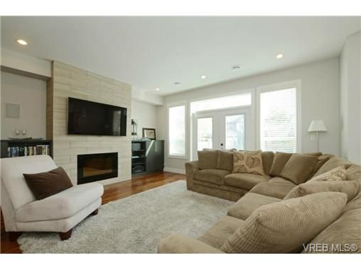 Photo 2: Photos: 1001 Arngask Ave in VICTORIA: La Bear Mountain House for sale (Langford)  : MLS®# 728828