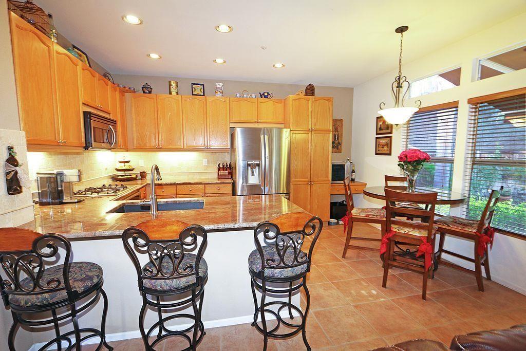 Photo 12: Photos: EAST ESCONDIDO House for sale : 5 bedrooms : 2329 fallbrook in Escondido