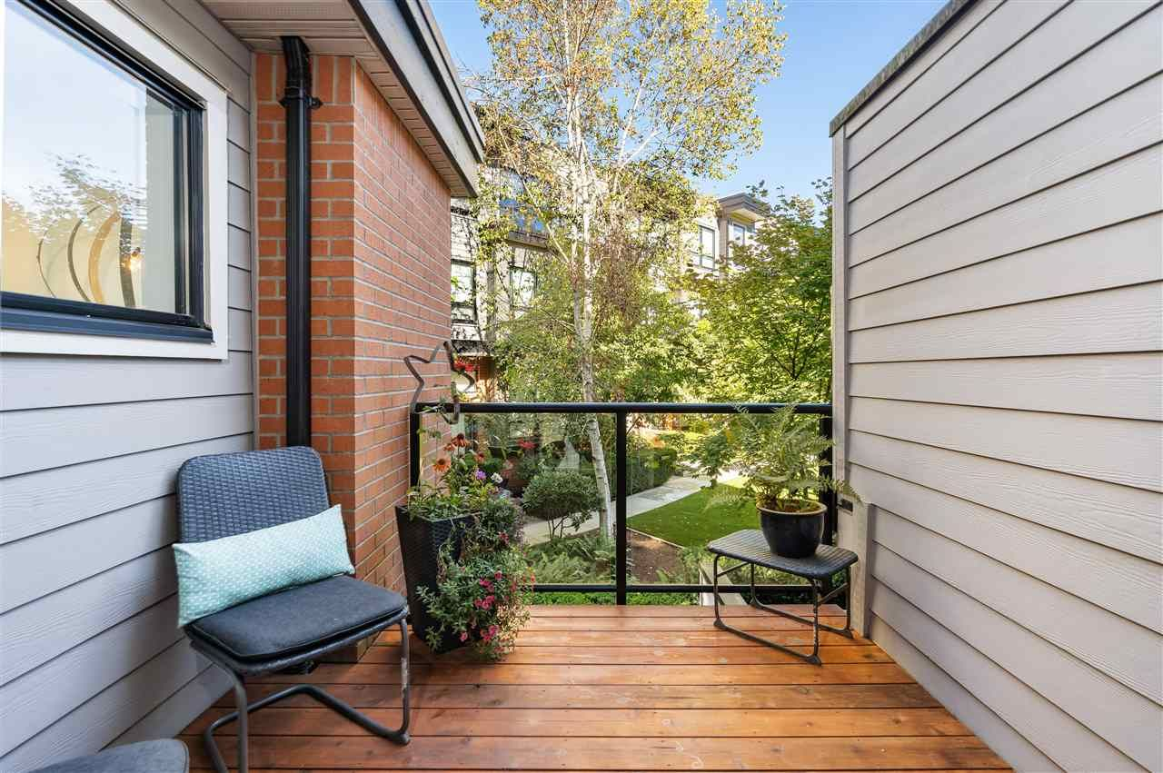 """Photo 25: Photos: 104 1855 STAINSBURY Avenue in Vancouver: Victoria VE Townhouse for sale in """"The Works"""" (Vancouver East)  : MLS®# R2494978"""