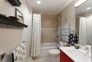 Photo 10: 405 2250 COMMERCIAL Drive in Vancouver: Grandview VE Condo for sale (Vancouver East)  : MLS®# R2115074