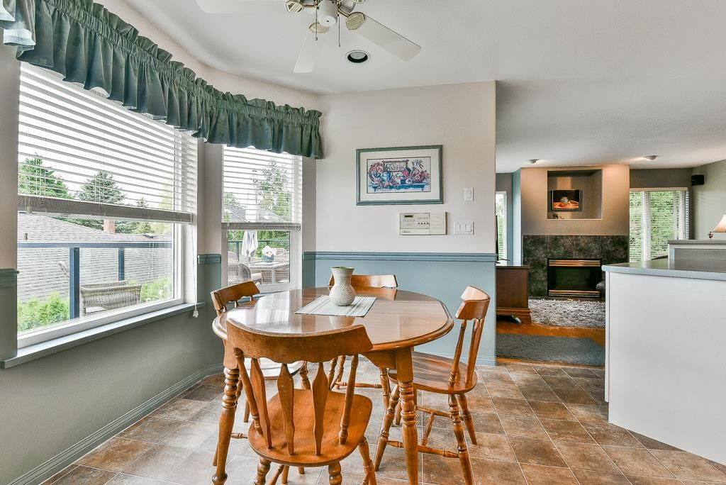 Photo 5: Photos: 6103 190 Street in Surrey: Cloverdale BC House for sale (Cloverdale)  : MLS®# R2269970