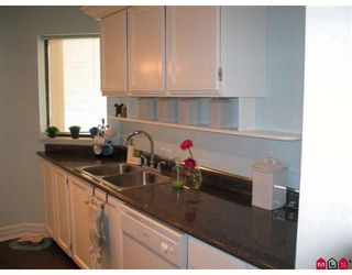 "Photo 5: 202 1467 MARTIN Street in White_Rock: White Rock Condo for sale in ""Searidge Court"" (South Surrey White Rock)  : MLS®# F2811495"