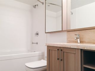 """Photo 5: 2308 5515 BOUNDARY Road in Vancouver: Collingwood VE Condo for sale in """"WALL CENTRE CENTRAL PARK"""" (Vancouver East)  : MLS®# R2173555"""