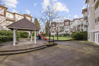 """Photo 2: 208 10186 155 Street in Surrey: Guildford Condo for sale in """"SOMMERSET"""" (North Surrey)  : MLS®# R2528619"""