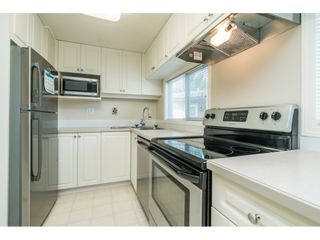 """Photo 11: 20 24330 FRASER Highway in Langley: Otter District Manufactured Home for sale in """"Langley Grove Estates"""" : MLS®# R2497315"""