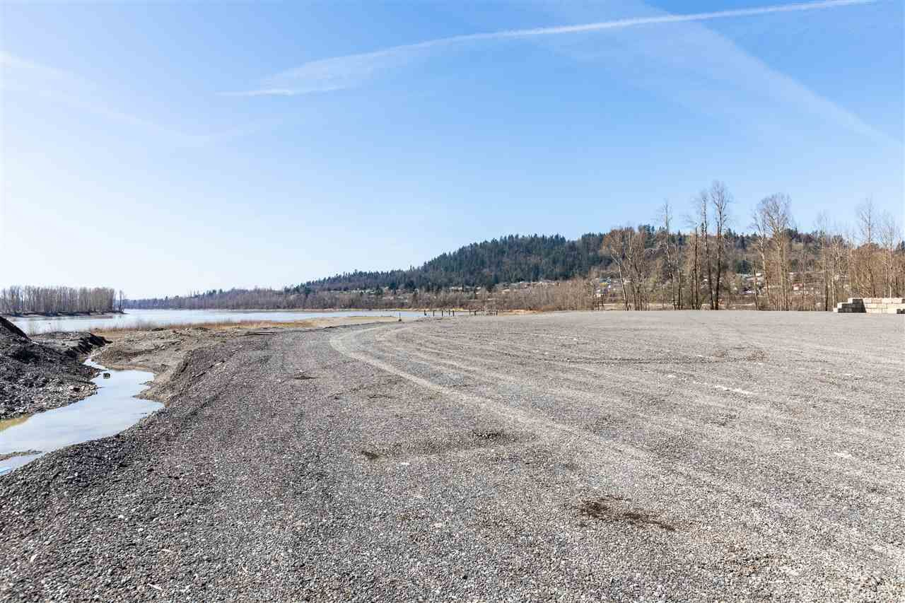 Main Photo: 35232 DYKE Road: Land Commercial for lease in Mission: MLS®# C8037073