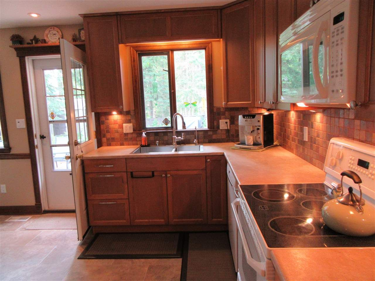"""Photo 9: Photos: 2751 WILDWOOD Crescent in Prince George: Hart Highlands House for sale in """"HART HIGHLANDS"""" (PG City North (Zone 73))  : MLS®# R2393133"""